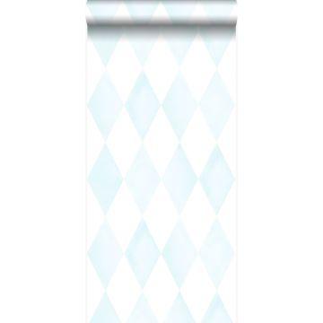 papel pintado rombo diamante con efecto pictórico sutil azul celeste pastel claro y blanco mate