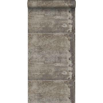 papel pintado grandes placas de metal oxidadas, alteradas y resistidas con remaches gris industrial