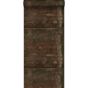 papel pintado grandes placas de metal oxidadas, alteradas y resistidas con remaches marrón herrumbre